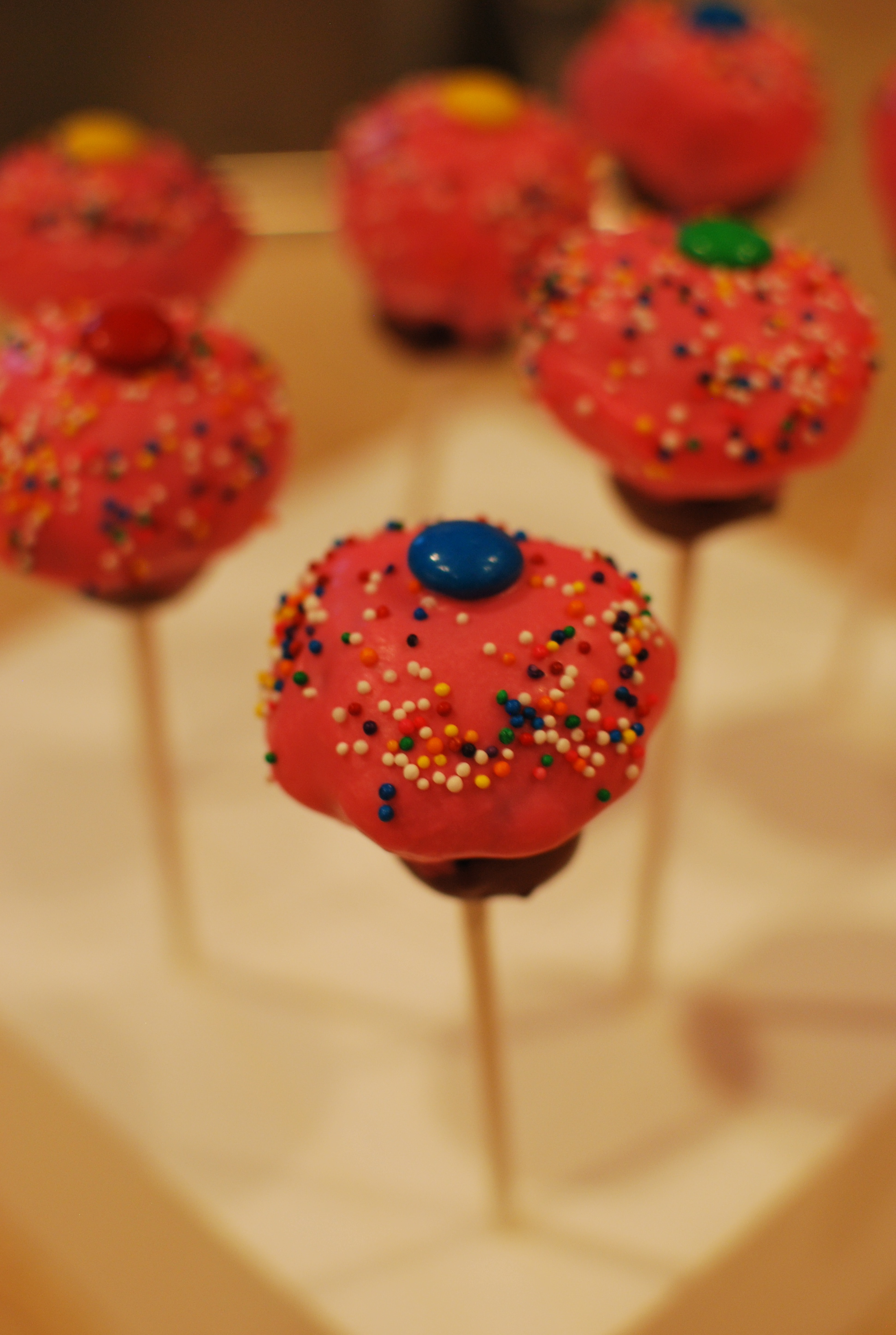 Cupcake Pops And Bites Recipe — Dishmaps